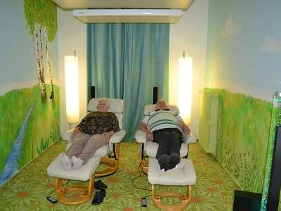 Relaxace ve světelné místnosti